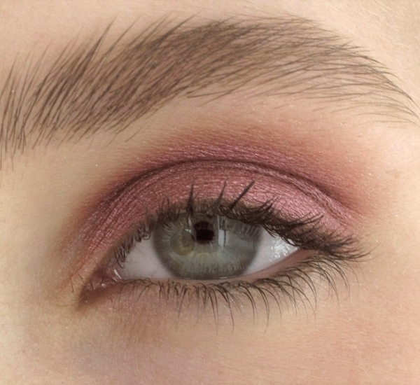 Mineral eyeshadow Bloody Ruby