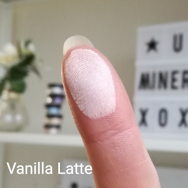 Pressed mineral eyeshadow Vanilla Latte